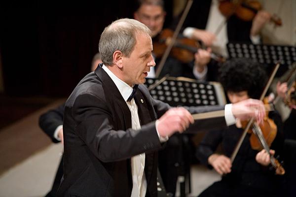 Станислав Ушев